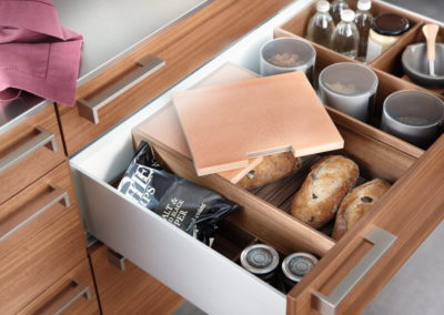 Poggenpohl Accessories - Pull-out with bread box