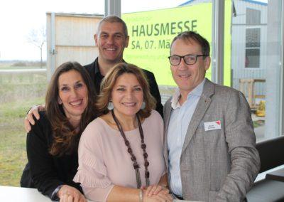 Birgit und Erich Jirku vom Autohaus Jirku und Evelyne und Werner Prochaska von Küche & Co